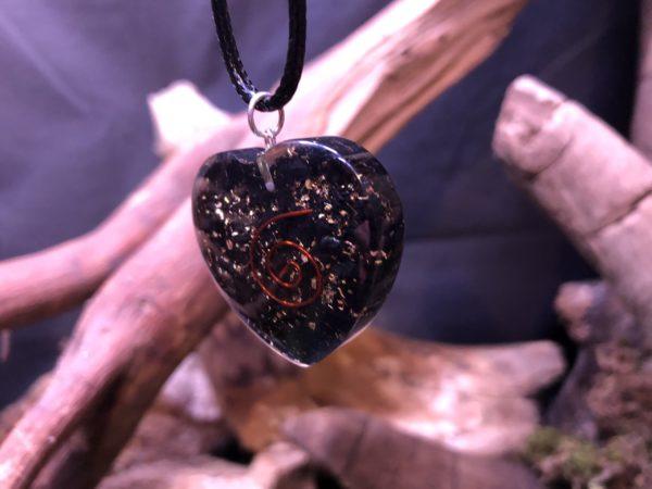 Orgonite pendentif Shungite - forme de coeur