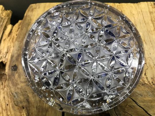 Orgonite fleur de vie 110mm avec sodalite