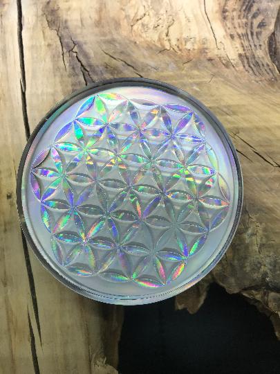 Orgonite fleur de vie 110mm avec cristal de roche