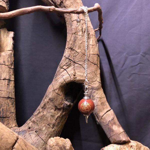 Pendule/Jaspe rouge/symbole du 1er chakra ' Muladhara '