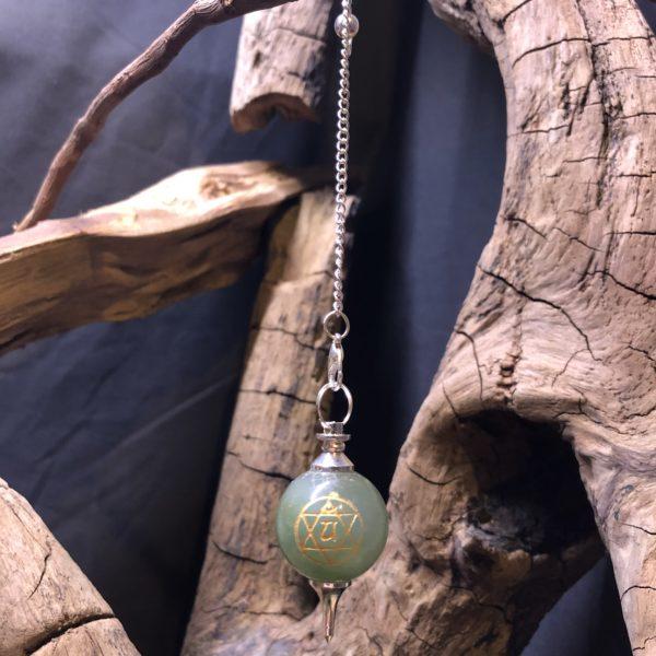 Pendule/ aventurine verte/ symbole du 4ème chakra ' Anahata '