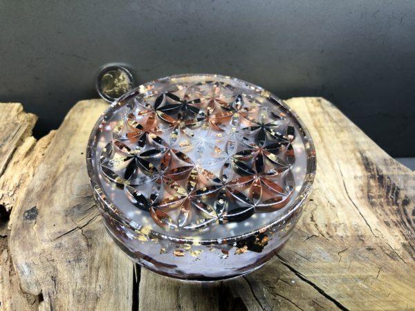 Orgonite fleur de vie 11cm avec Shungite/Jaspe rouge/Cristal de roche